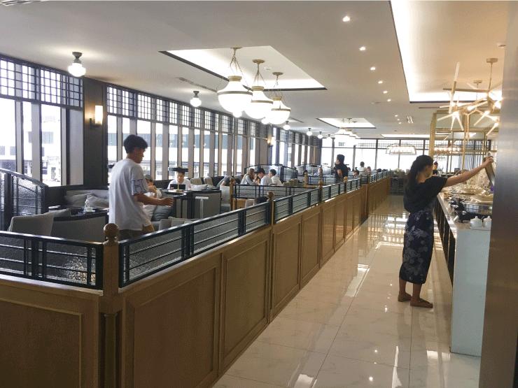 タイのドンムアン空港のラウンジの中