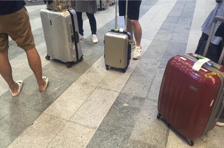 ダナン空港でIT留学のWEEKLY IT CAMPメンバーと合流