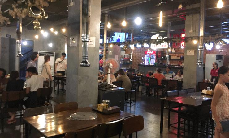 結構広めの韓国焼肉屋さん