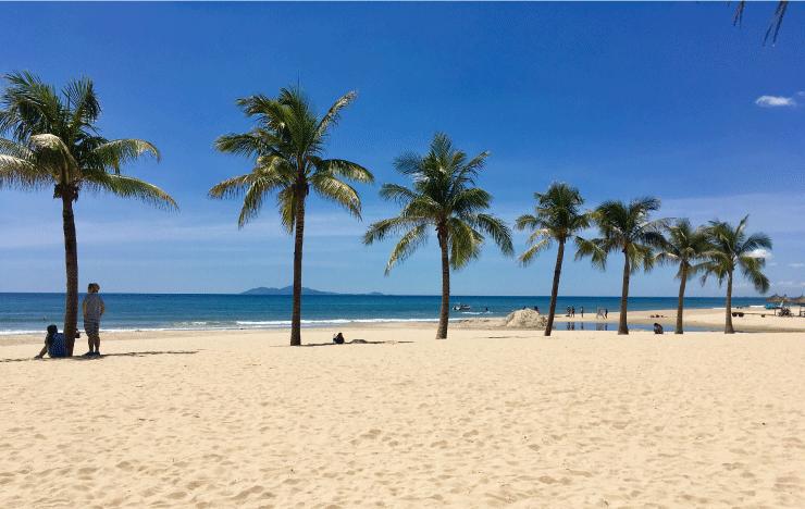 ベトナム、ダナンのニーケビーチが綺麗