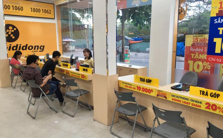 ベトナム、ダナンでSIMカードを買えるお店のカウンター