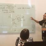 ベトナムIT留学のWEEKLY IT CAMPのエンジニアコースで講師が教えている3日目