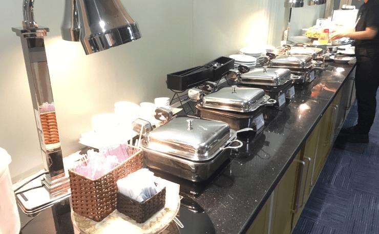 ホーチミンの空港ラウンジORCHID LOUNGEの料理