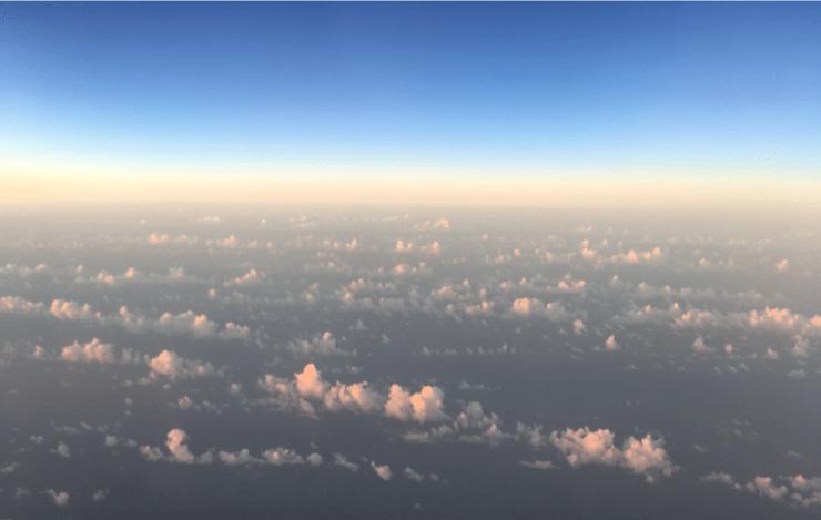 ホーチミンから関空への朝方の景色